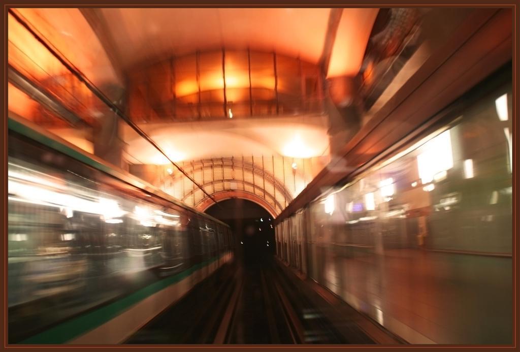 Metrou (Large)